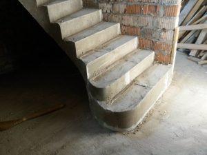 С забежными ступенями и поворотом на 180 (1)